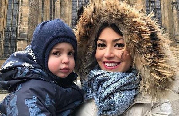 شوکه شدن همسر استراماچونی از برف تهران